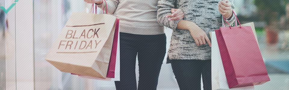 Sin embargo, recientemente, esta festividad consumista ha levantado cierta polémica, ya que algunas tiendas inflaban sus precios antes de reducirlos para dar la impresión de una rebaja.