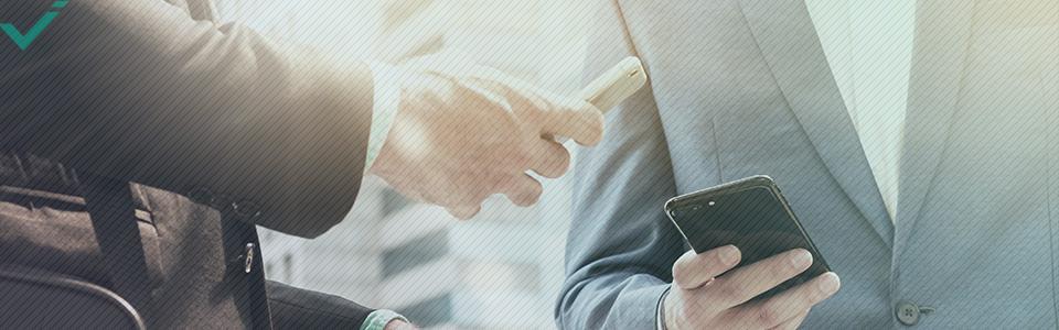 Además, un estudio de 2010 sugiere que el marketing en redes sociales permite a las empresas mejorar las relaciones existentes con los consumidores, aumentando potencialmente el valor de las compras online.
