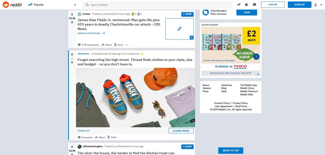 La segunda versión lleva a los usuarios fuera del sitio del editor al contenido que se está promocionando.